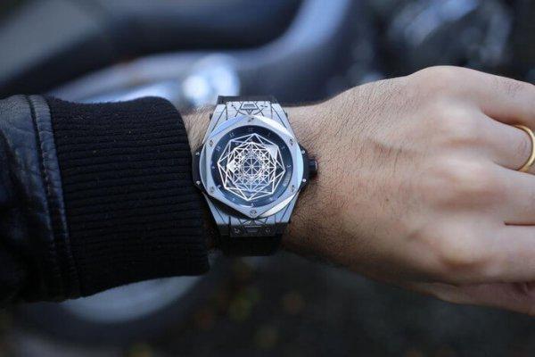 5 cách nhận diện phân biệt đồng hồ hublot thật giả dễ và chính xác nhất