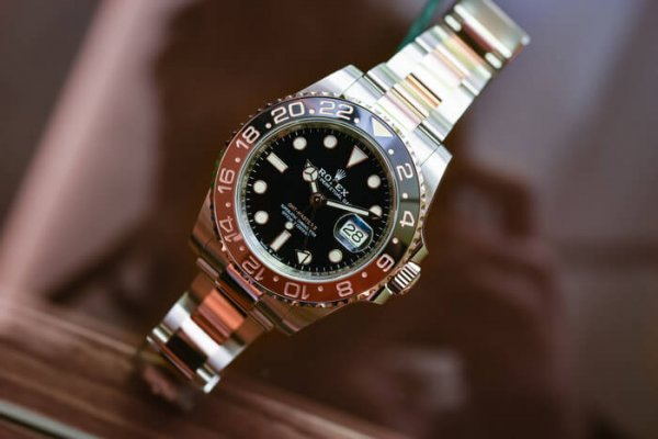 4 Chiếc đồng hồ nam dưới 20.000 USD nên mua nhất năm 2020